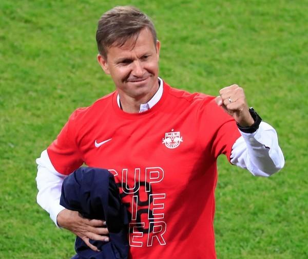 #Salzburg-Trainer Jesse #Marsch hat sich am Mittwochabend zu den #BVB-Gerüchten geäußert [Foto: dpa].   https://t.co/GIeEqhQhIV https://t.co/Ksvwwmw85p