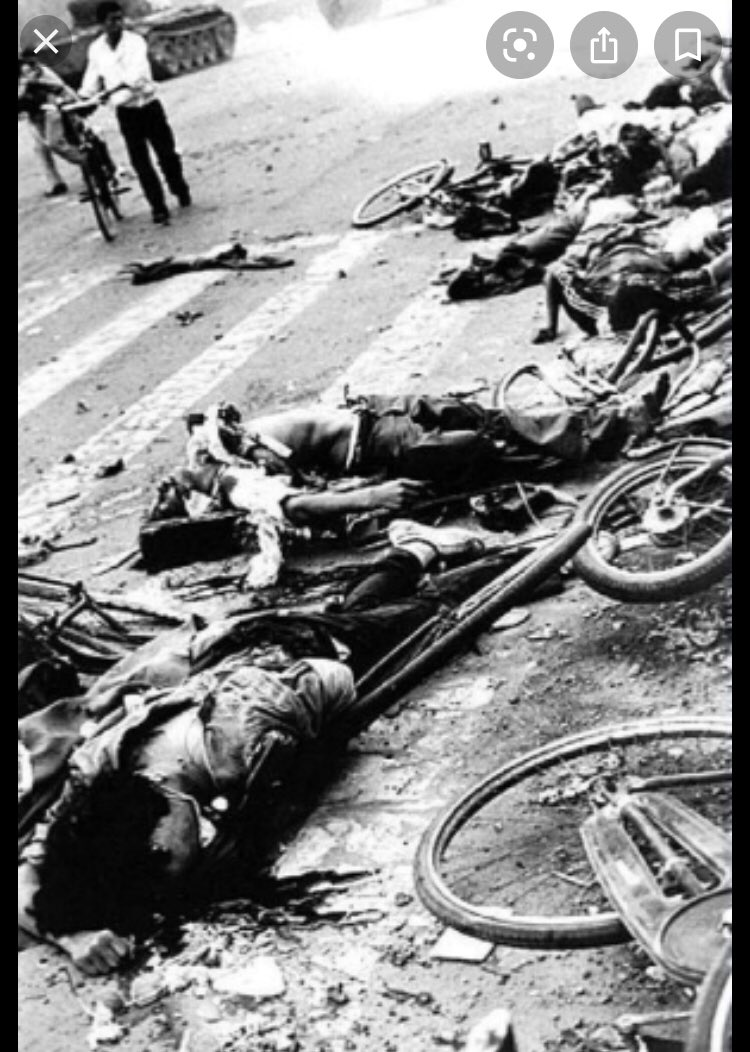 At least 10,000 died in #TiananmenSquareMassacre never forget #CCP_is_terrorist #CCP #chinazi and #xitler worse than #Hitler and #Stalin combined.pic.twitter.com/3JtZXh4NPe