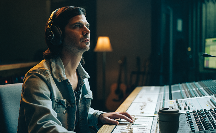 Are you a passionate content creator? With the all-new #AKG pro studio headphones K371BT and K361BT and AKG Lyra, multi-mode USB microphone by @HARMAN_Pro, you can now build a perfect studio at your home. Launched today, products are on @amazonIN exclusively. https://t.co/uzqyFD5ZRX