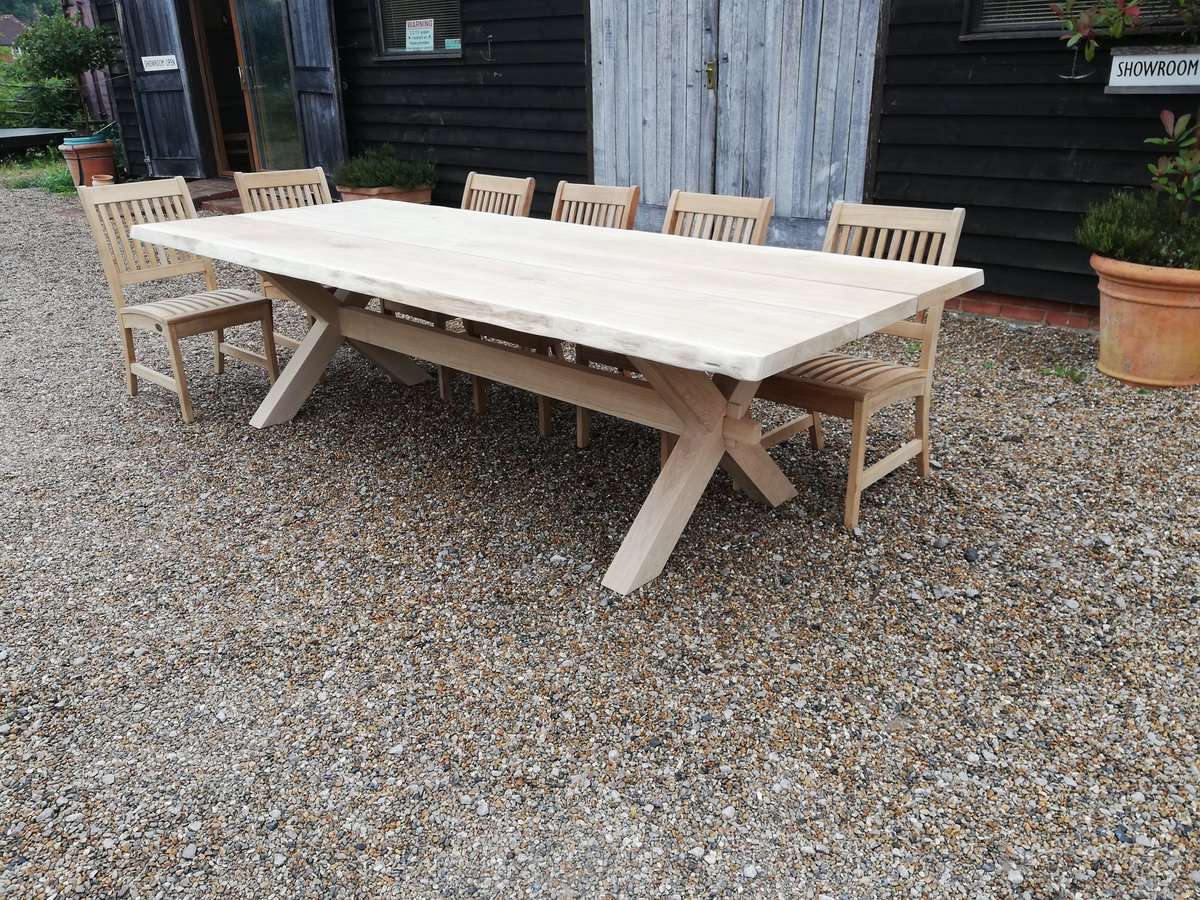Solid oak garden furniture handmade to order using oak from sustainable sources the oak we use is FSC certificated from well managed forests, helping the environment and locally sourced. #oakfurniture #oaktables #handmade #furniture #garden #outdoordining #gardenfurniturepic.twitter.com/osvVDYHJm3