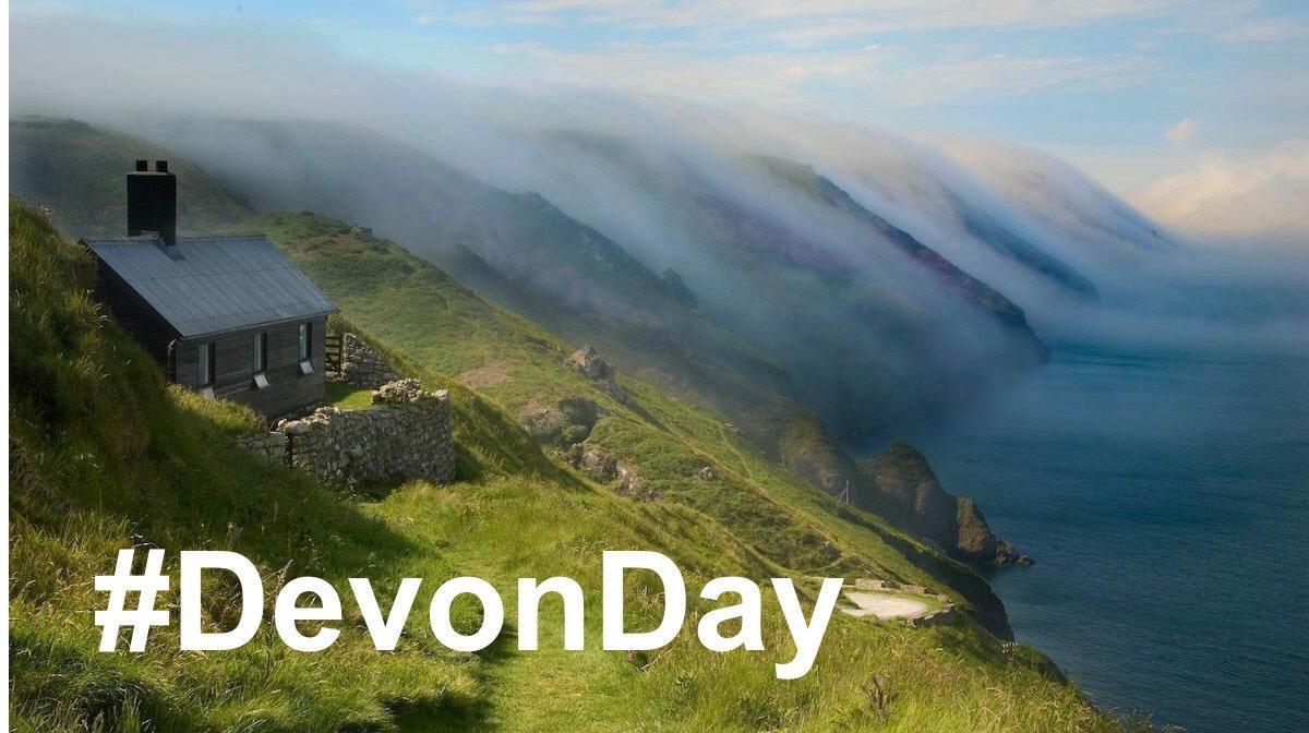 P is for Paignton, Plymouth, Postbridge, @powderhamcastle @Theatrepaignton @PennywellFarm #piers and pies @PieStreet #DevonDay
