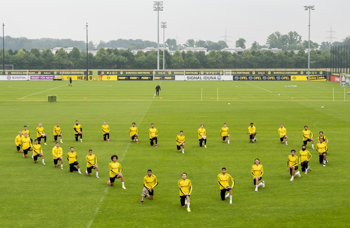 We the players of Borussia Dortmund fully support the Black Lives Matter Movement. We do not accept racism of any kind. For an open minded and tolerant world, for a better world! https://t.co/wPW7M7NyMO