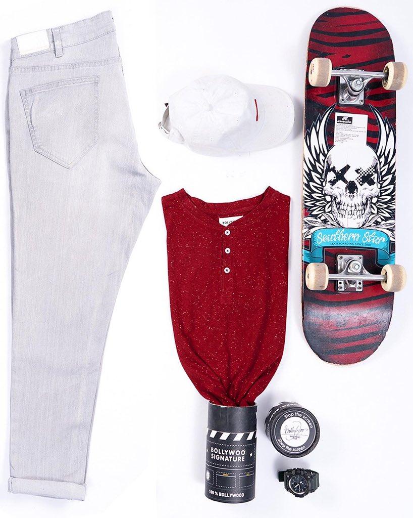 It's time to upgrade your wardrobe with trendy henley... . . #bollywoo #kartikaaryan #kritisanon #maddock #henley #tshirt #shopnow #lukachuppi #trendyhenley #bollywoodactors #actorsfashion #summerfashion #wardrobeessential #picoftheday #celebritystyle #tollywood #trendingpic.twitter.com/wihGlDVAmt