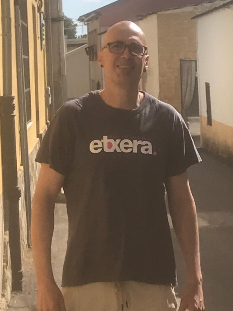 Le prisonnier politique basque Oier Goitia Abadia a été libéré de Topas après 15 ans de prison dont 5 dans l'État français. Bienvenue Oier! #UnDeMoins etxerat.eus/index.php/fr/n…