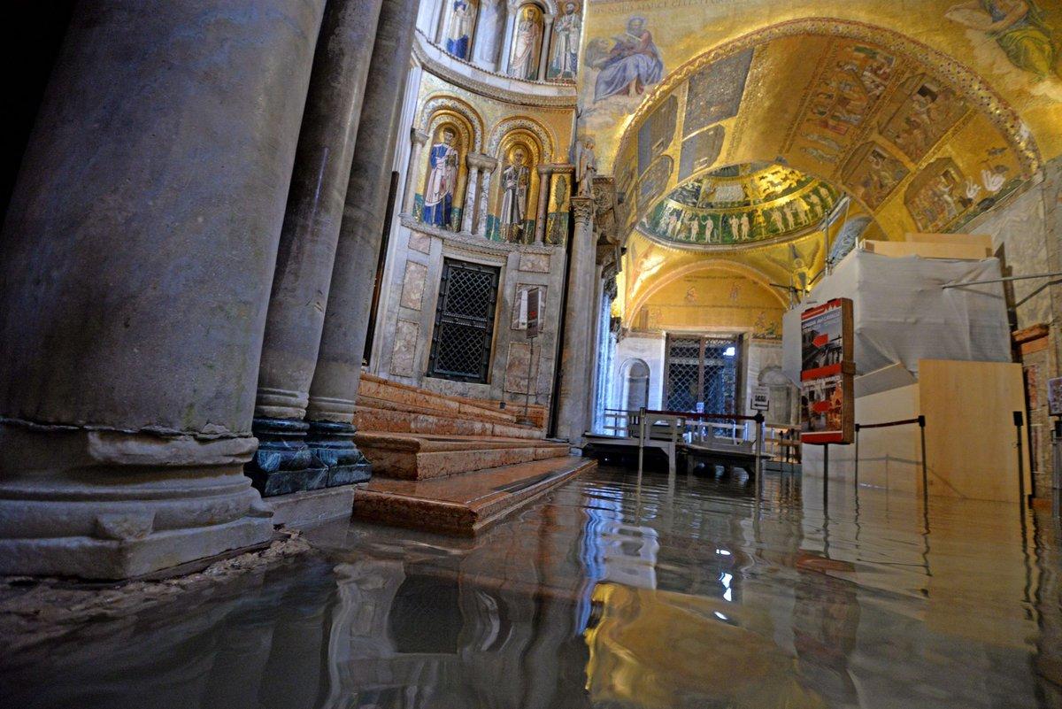 #Venezia torna la paura: prevista acqua alta a 120...