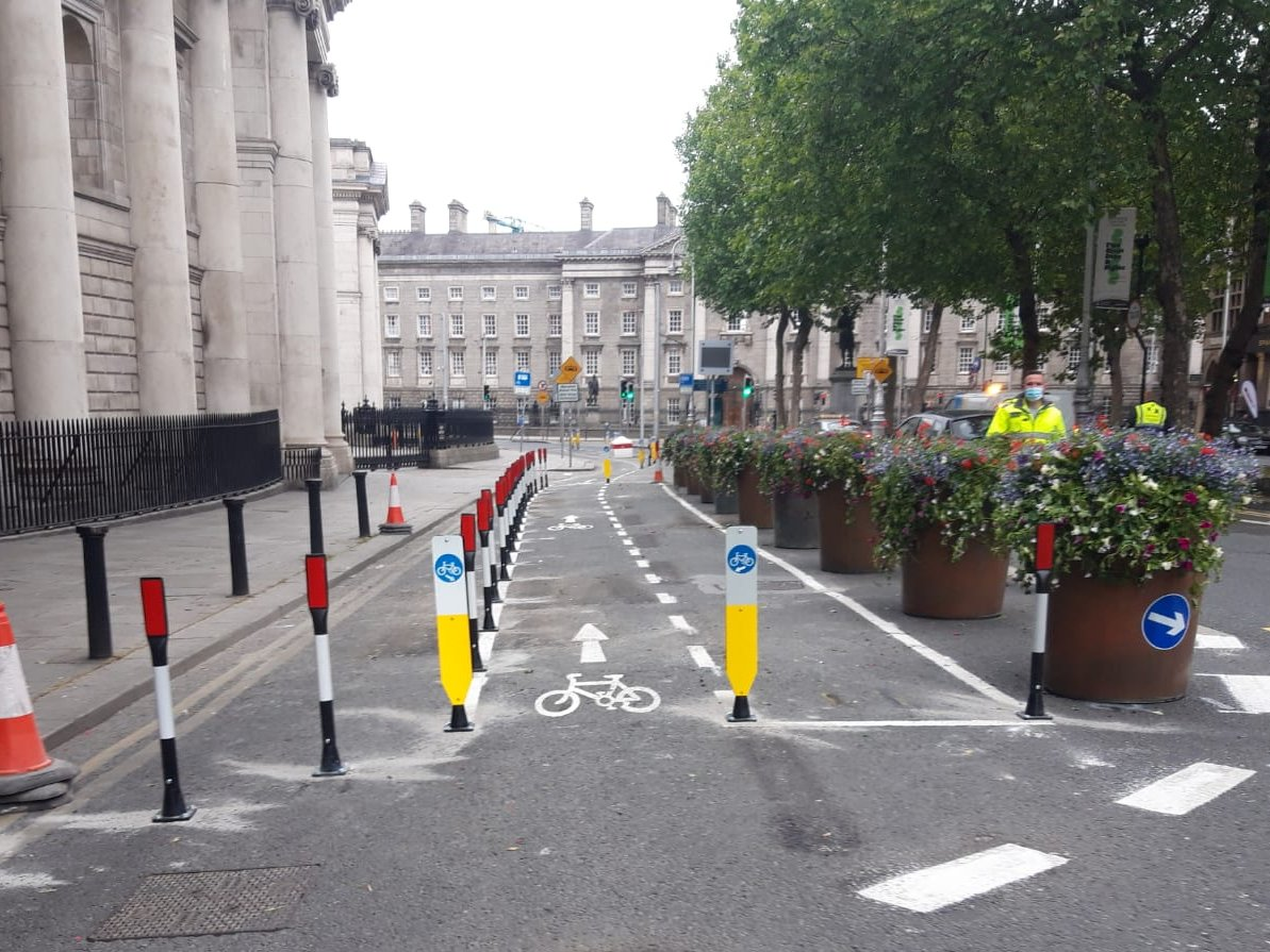 Check out the additional protected cycling facilities implemented on College Green this morning. #CycleDublin #InThisTogether