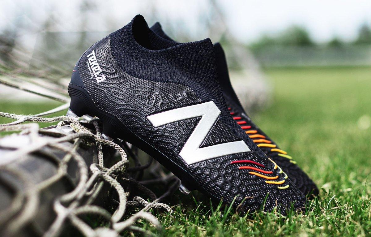 ニューバランス サッカースパイク『TEKELA V3 LIMITED LL FG』ニットアッパーのレースレスモデル登場(紐有りのHGトップモデルは6月4日から発売)