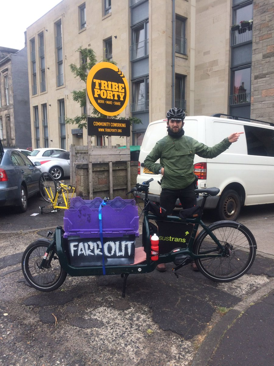 Brilliant to see @farroutdelivers in Porty - great #startup initiative using cargo bikes. Do support them in anyway you can. #future #carbonfree