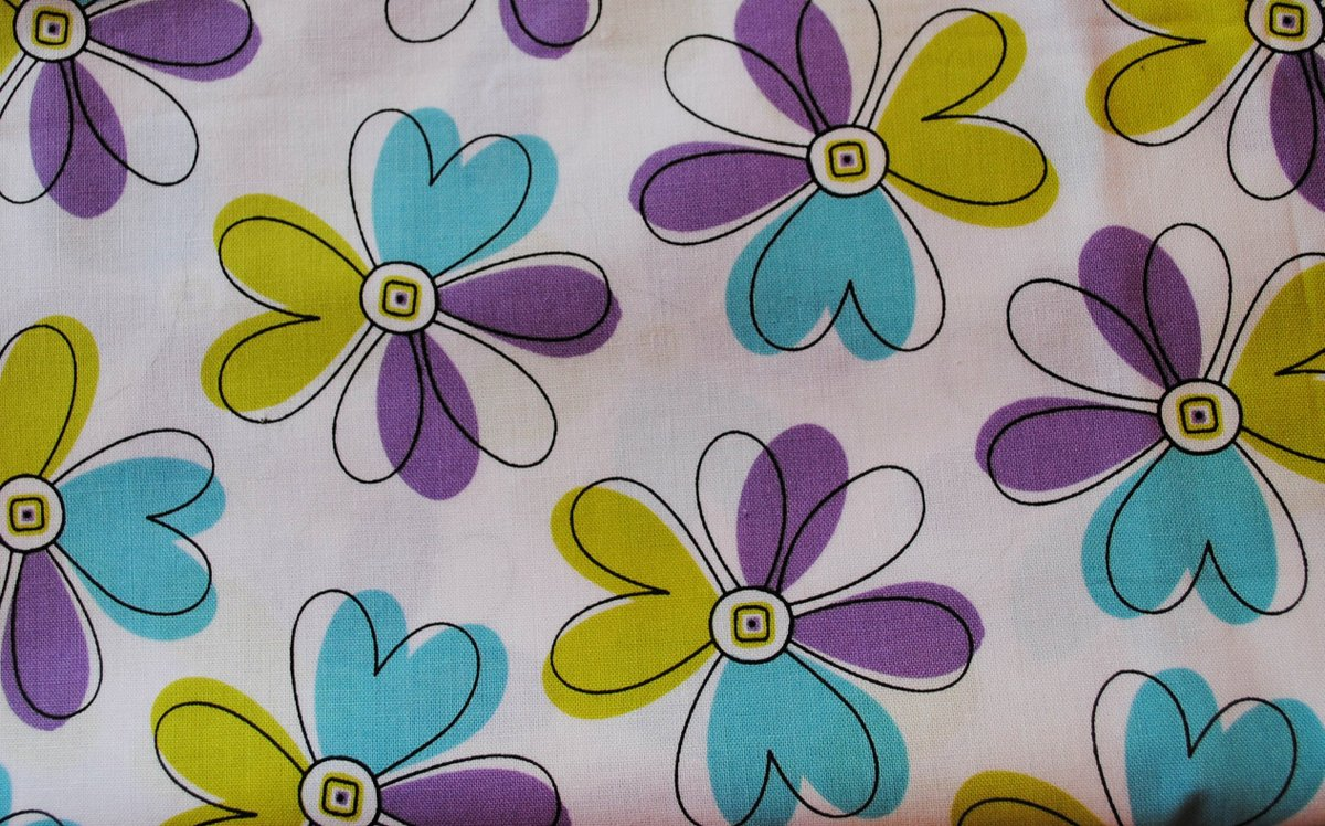 """Thx for the kind words! ★★★★★ """"Beautiful clean fabric, bright colors, lovely packaging and prompt delivery. Thank you!"""" Dana W.  #etsy #cotton #no #floral #green #broadcloth #birthday #sewing #standwithsmall"""