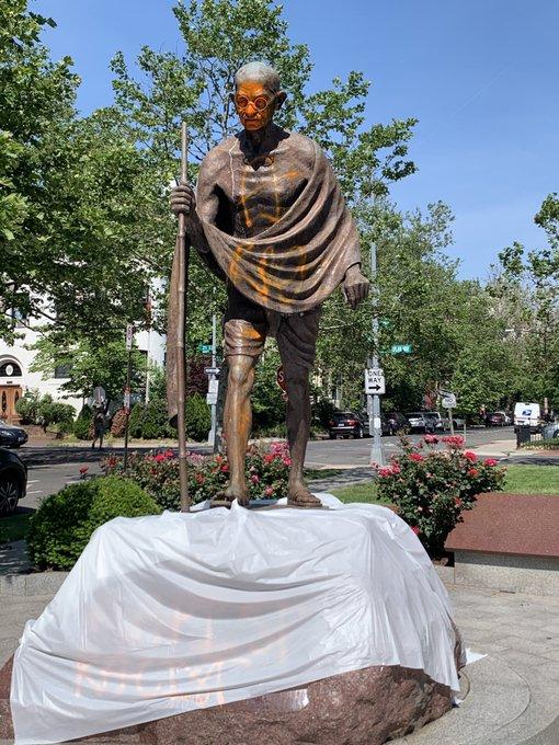#Gandhi statue vandalized in Washington DC amid #PoliceBrutality protests  DETAILS: https://t.co/HOpDtv1lZK https://t.co/h1uzOlM14W