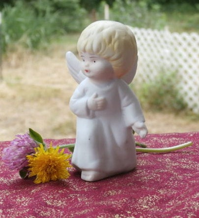 Standing Angel Figurine Cute Christmas Nativity Figure Bisque Vintage 1980s 3 1/2 Inch  #angels #christmas #angel #figurine #nativityset #teamwwes #nativity #cute #1980s