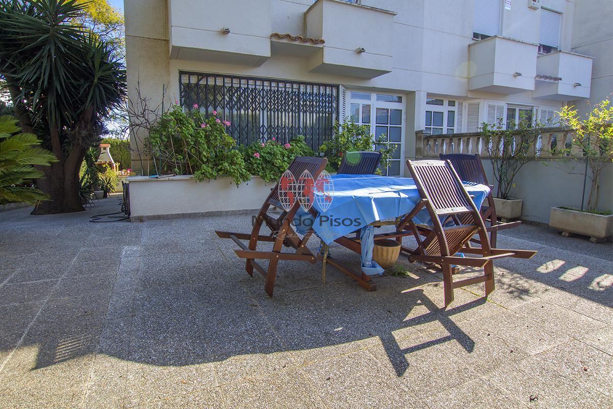 #Chalet pareado en #SonDureta, #Palma de Mallorca. Gran casa en zona colegios con piscina comunitaria. ¡Déjate llevar por tu instinto y vamos a verla! REF: C673   ☎ 971 91 08 01 ✉ info2@mundopisos.com - #inmobiliaria Mundo Pisos #Mallorca  https://t.co/ddITi4bhXT https://t.co/fot440KftT