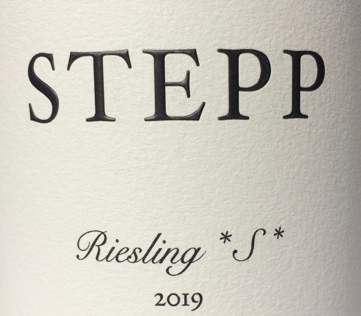 My latest wine of the week is a superb Pfalz Riesling from @gerdstepp and @marksandspencer.  https:// timatkin.com/tasting-notes/ stepp-riesling-s-kallstadter-saumagen/  …  #drinkbetterwine <br>http://pic.twitter.com/zkDWQBfRvO