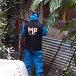 El @MPguatemala y la @PNCdeGuatemala realizan 5 allanamientos en #Retalhuleu, #Coatepeque y #Quetzaltenango por delitos de extorsión, preliminarmente se reporta la captura de Efraín Adolfo Hernández Flores. Las diligencias continúan. Fotos: MP