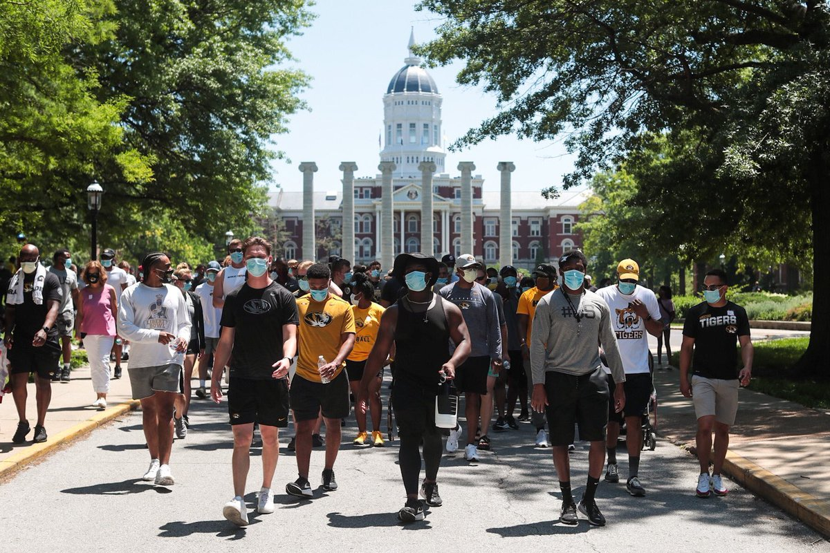 Yesterday Missouri football players marched from campus to courthouse, knelt for 8 minutes and 46 seconds to honor George Floyd, then 62 of them registered to vote. This is how change happens https://t.co/VvYEF7I3VP