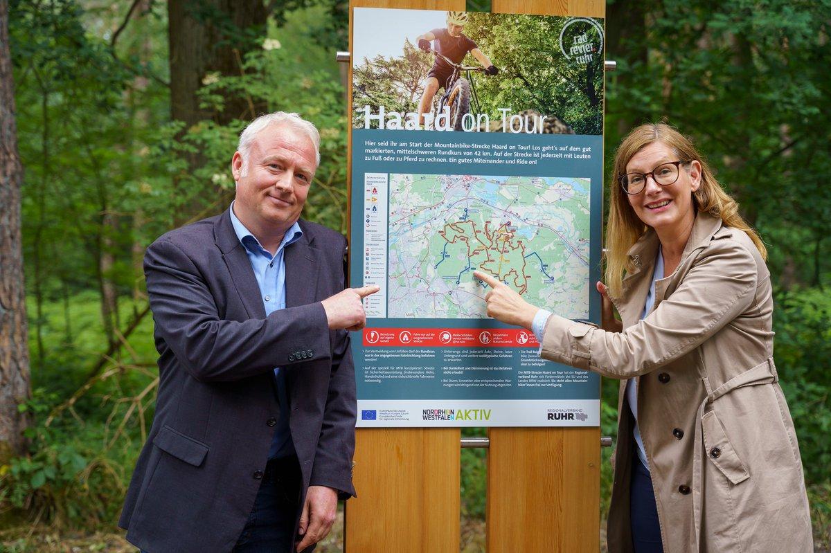 """Neuer #Mountainbike-Trail für die #MetropoleRuhr: Der #RVR hat heute den 42km langen MTB-Rundkurs """"Haard on Tour"""" freigegeben. Die Route verbindet Waldwege mit naturnahem Single-Trails. Infos und gpx-Track: https://t.co/T1Z5BSxARS   #Radrevier @kreis_re @Ruhr_Tourismus https://t.co/ff082oUIWC"""