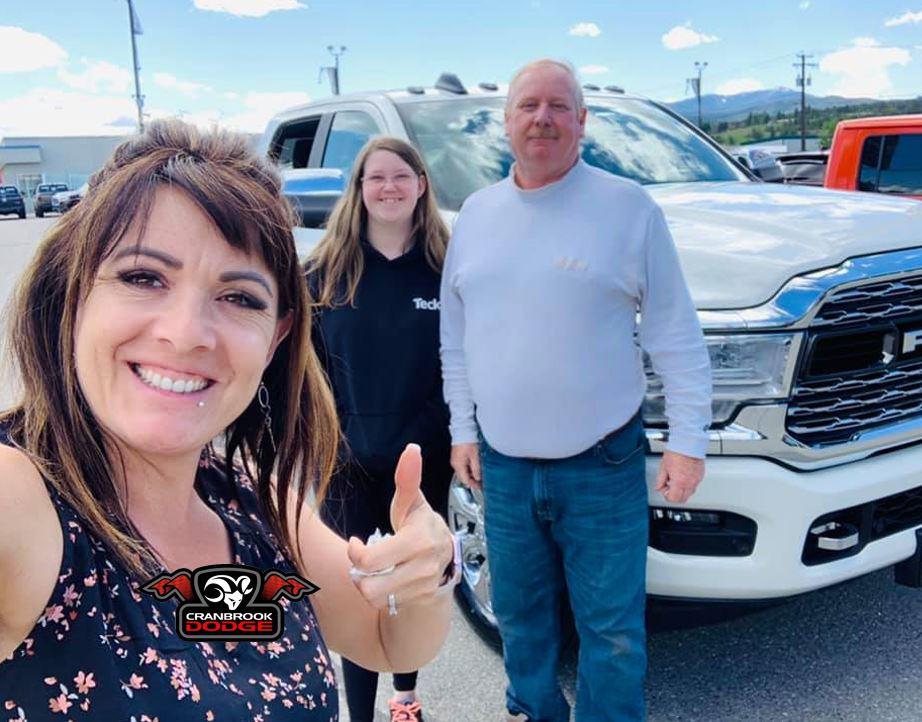 Congratulations to the Brophy family on their new #Ram 3500 HO #Cummins Limited #truck! #RamCountry #RamAdventure #RamTruck #HeavyDutyTruck #CranbrookDodge #RamCountry #KootenayLife #CumminsEngine pic.twitter.com/gzJEJ6wqDd
