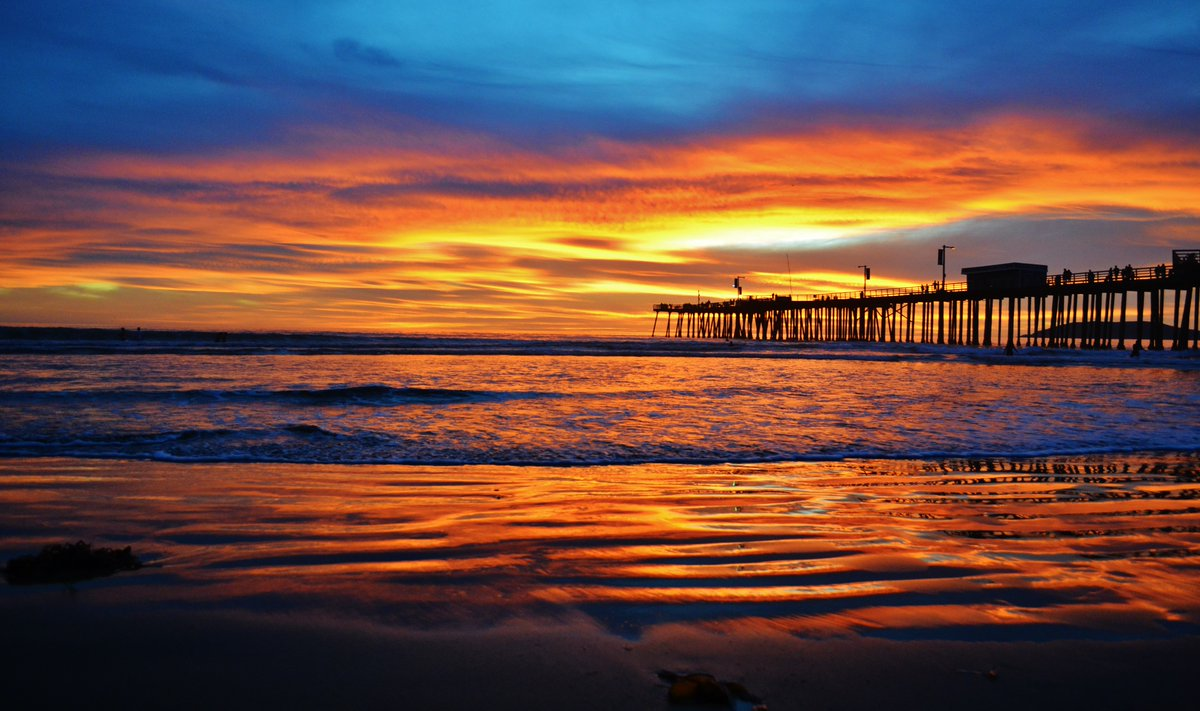 Brightening up your newsfeed with the beautiful sunset! #PismoBeach pic.twitter.com/WeAUaLjKJj