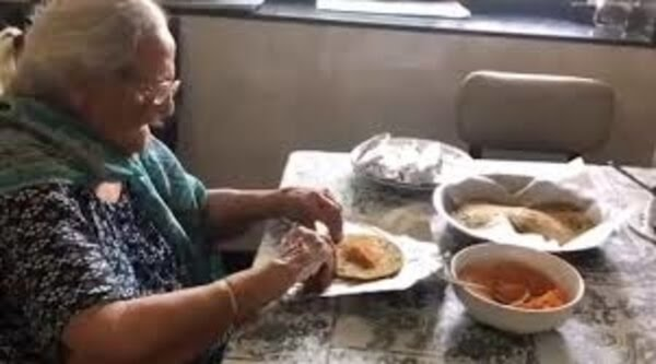 It's so heartwarming and inspiring to watch 99 year old Amma pack food for migrant workers in Mumbai. Such acts of kindness and generosity just increase our belief in the love and care that we are all capable of giving each other. Humble pranams to the wonderful lady. https://t.co/UGU1QrLT1e