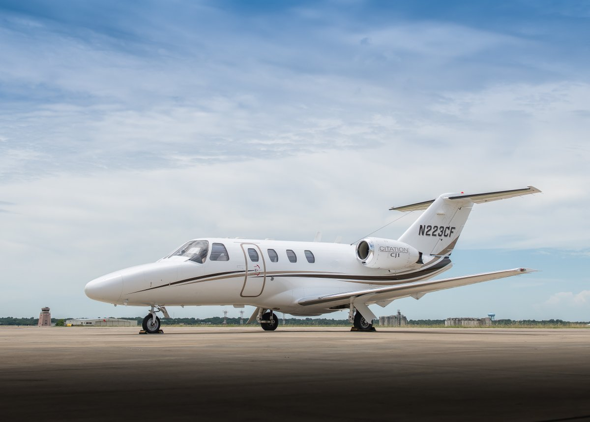 Cessna Citation CJ1 For Sale - https://t.co/OGFIKrqFv2  This 2000 CJ1, SN 525-0403, has approximately 3,715 hours since new. New interior was completed in 2019 and is absolutely stunning.  @jetAVIVA #bizjet #aviation #cessna #pilot https://t.co/4G7HDMj0G3
