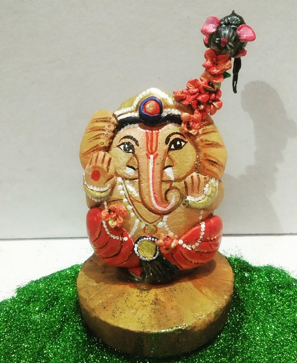 Stone sculpture. Lord Ganesha .First time I have tried this type of work sculpture and stone. Hope all like it. #stone #rockart #rockpainting #paintedrocks @Etsy #handmade #makeinindiapic.twitter.com/9Nq8FPRjs7