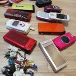 引き出しを開ければ出てくる思い出のパカパカ携帯