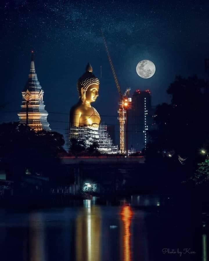 69 metre tall Buddha statue at Wat Pak Nam, WISATA KUIL DI THAILAND