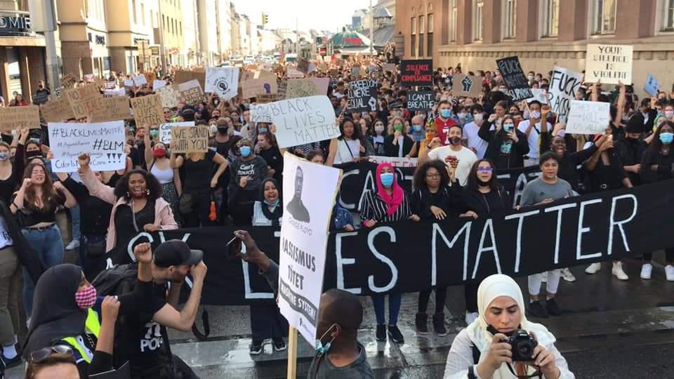 20.000 attend #BlackLivesMatter in #Vienna #Austria pic.twitter.com/gzIeAPPsjO