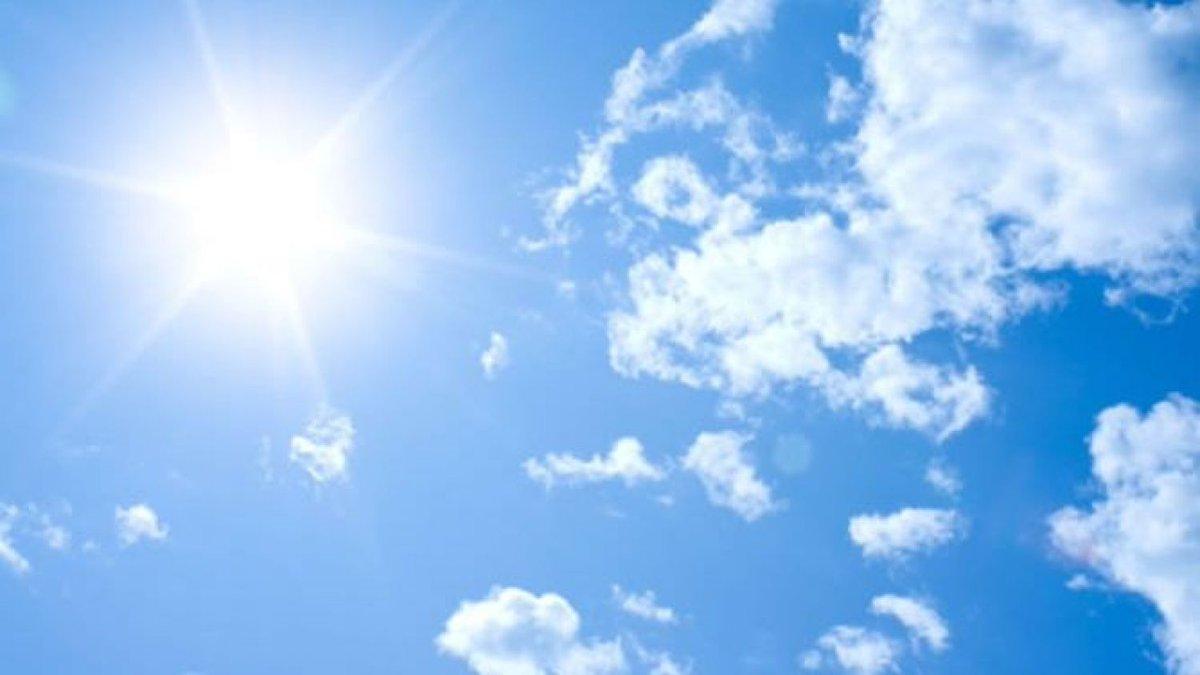 Predicción para mañana 5 de Junio en #Baleares . Cielos 🌤️ . Temperaturas en ligero descenso, 🌡️#Palma 25C #Eivissa 25C #Maó 24C 🌡️. El 🌬️ será del noroeste fuerte durante la mañana. Somos #WDNAatmosphere https://t.co/twZnvWnmSq