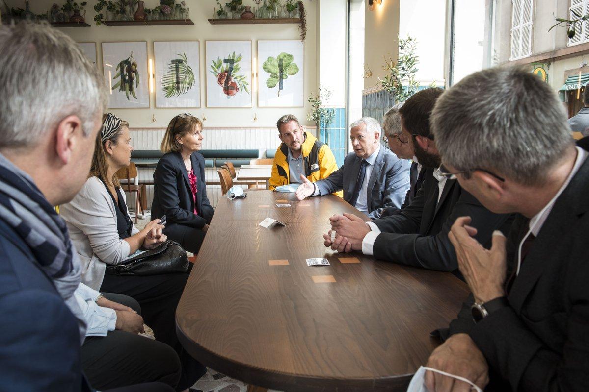 Josiane Chevalier, Préfète du Grand Est et du Bas-Rhin & Jean-Luc Heimburger, Président de la CCI Alsace Eurométropole ont rendu visite à des professionnels strasbourgeois du secteur CHR (cafés, hôtels et restaurants) cet après-midi. https://t.co/zDZIAJNmvk
