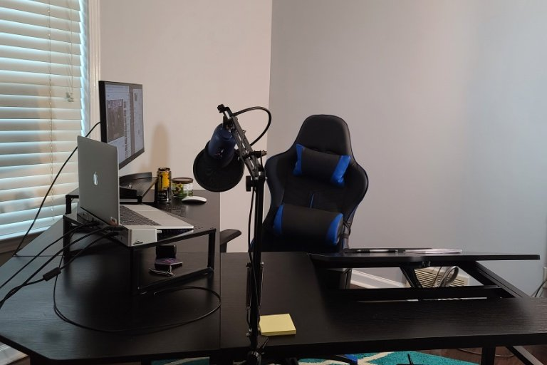 Since everyone likes it when I stream & code, time to take it seriously.  First part of my new recording studio! I have a PHENOMENAL wife who bought this desk & chair for me!  Making it easier for me to make content to help you learn!  http:// Twitch.Tv/DThompsonDev      #100DaysOfCode <br>http://pic.twitter.com/oM5CETCfjh