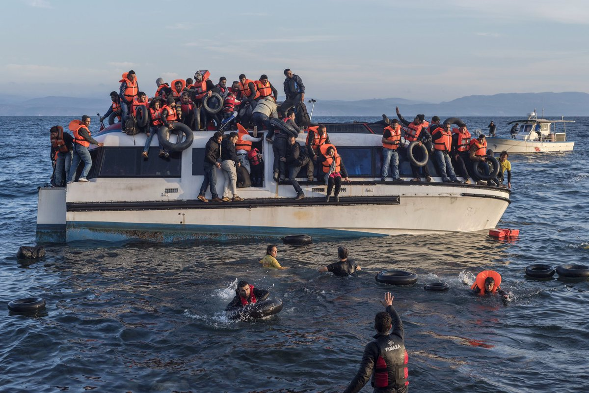 Today we are joined by @nmitarakis, @Joanclos, @YusraMardini and Catherine Wollard to discuss whether or not the refugee crisis represents a moral failure of Europe.  Click to listen: