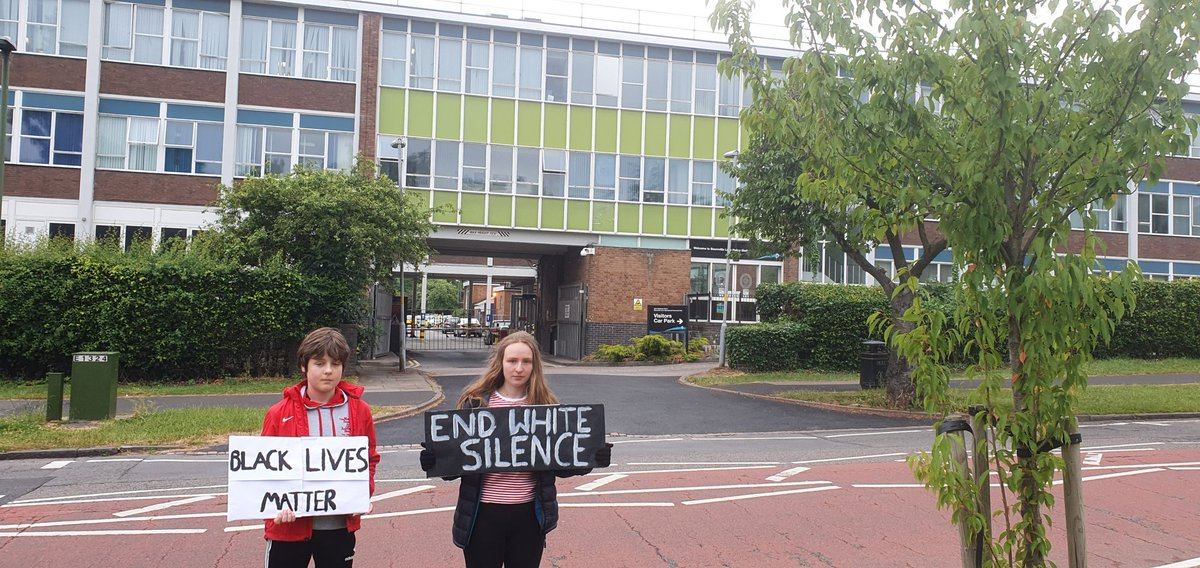 Just riding through Bournville and spotted two kids, Mary and Matthew, protesting outside the police station by themselves. Figured I'd give them a boost. (made them call their mum for permission first) #BlackLivesMattterUK https://t.co/qic03BaL8I