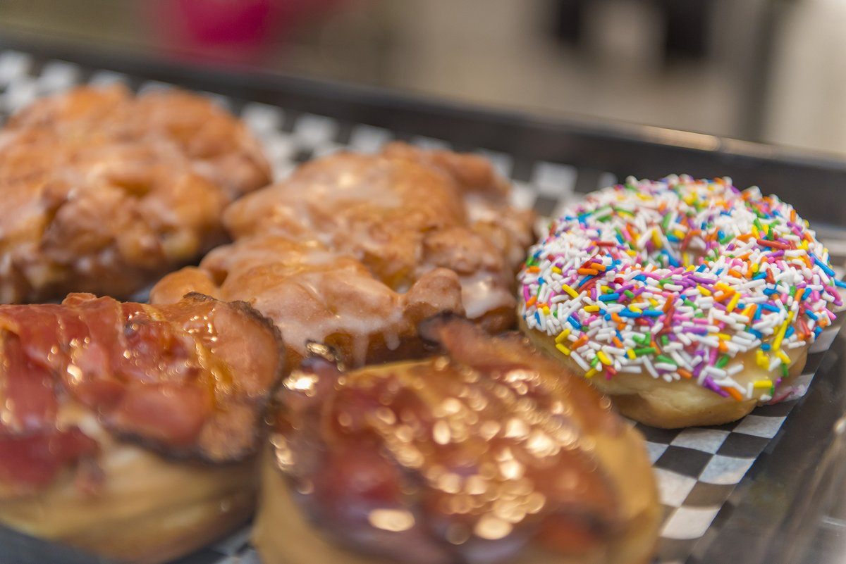 What's a donuts   favorite day?  Fry-day!   Come stop in, we will have all sorts of creative donuts tomorrow to celebrate National Donut Day!  #funnyjokes #foodpun #donuts #bakery #specials #canteatjustone #lovewhatwedopic.twitter.com/xFavXu3YDt