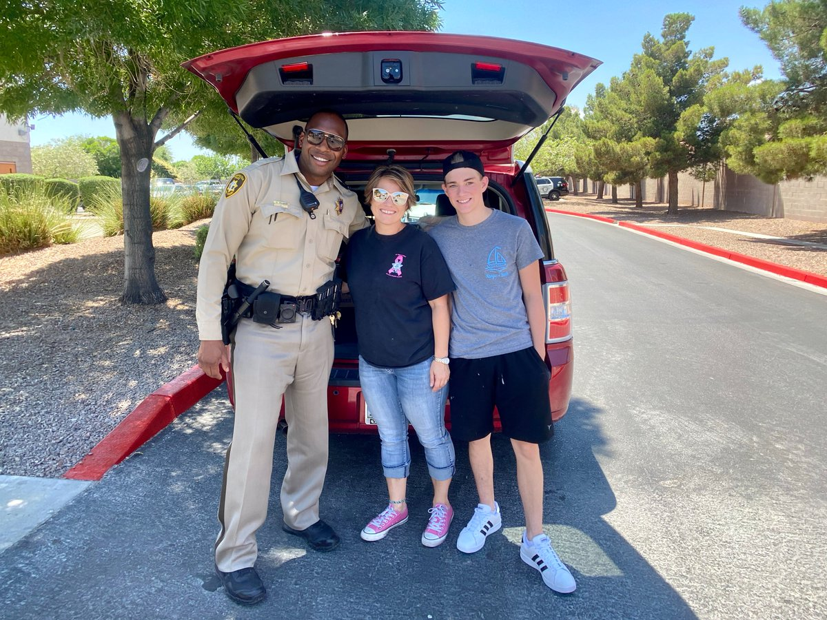 Thank you Las Vegas Metro Police Officer Wives & @LBCofLasVegas for your kind actions and words. We feel blessed by your support!  #BAC #BACFAM #LVMPD #COP #ThankYou #Gracias #Blessed #LasVegas #Vegas #VegasStrong #VegasStronger https://t.co/dUKA25V927