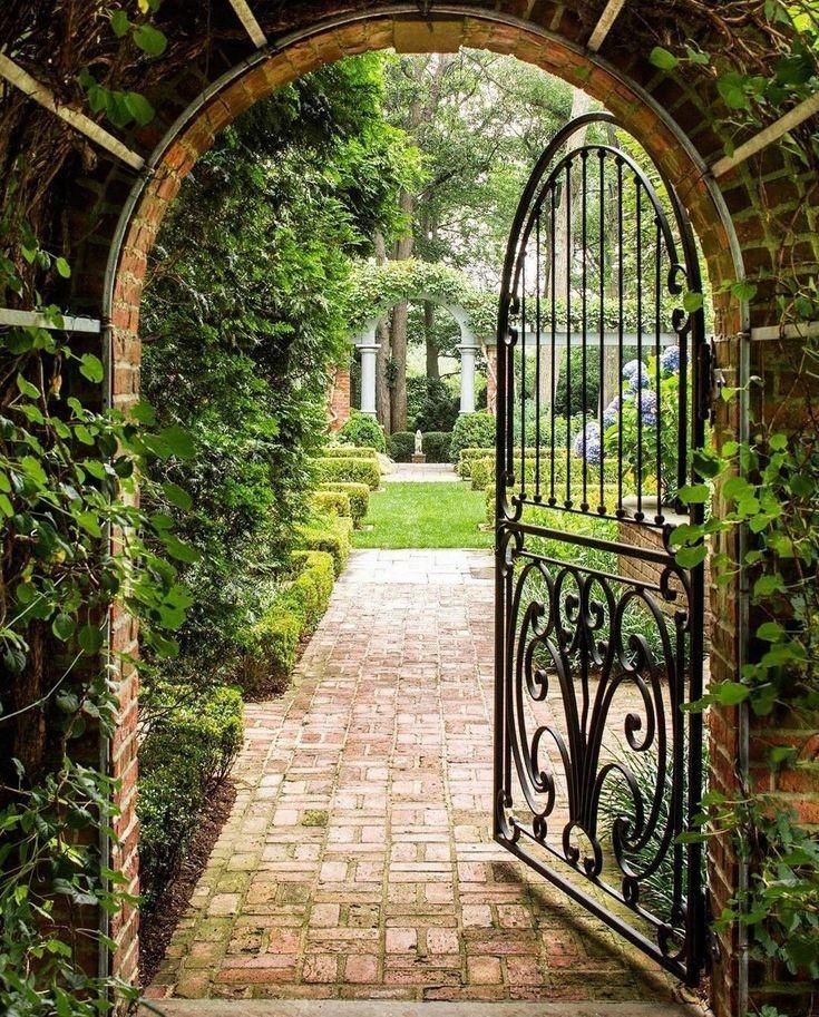 #Secret garden What #door do you choose?pic.twitter.com/rVxP0Lei54