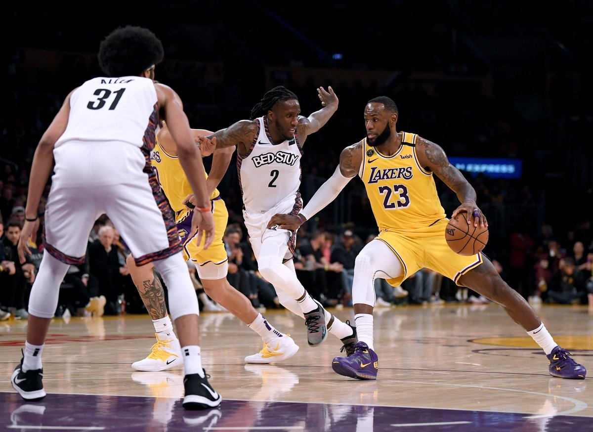 NEW: The #Clippers and #Lakers will get a chance to resume their title quests after all. The NBA Board of Governors Thursday overwhelmingly approved a plan to restart the season on July 29 in Orlando. cbsloc.al/3dzrUO1
