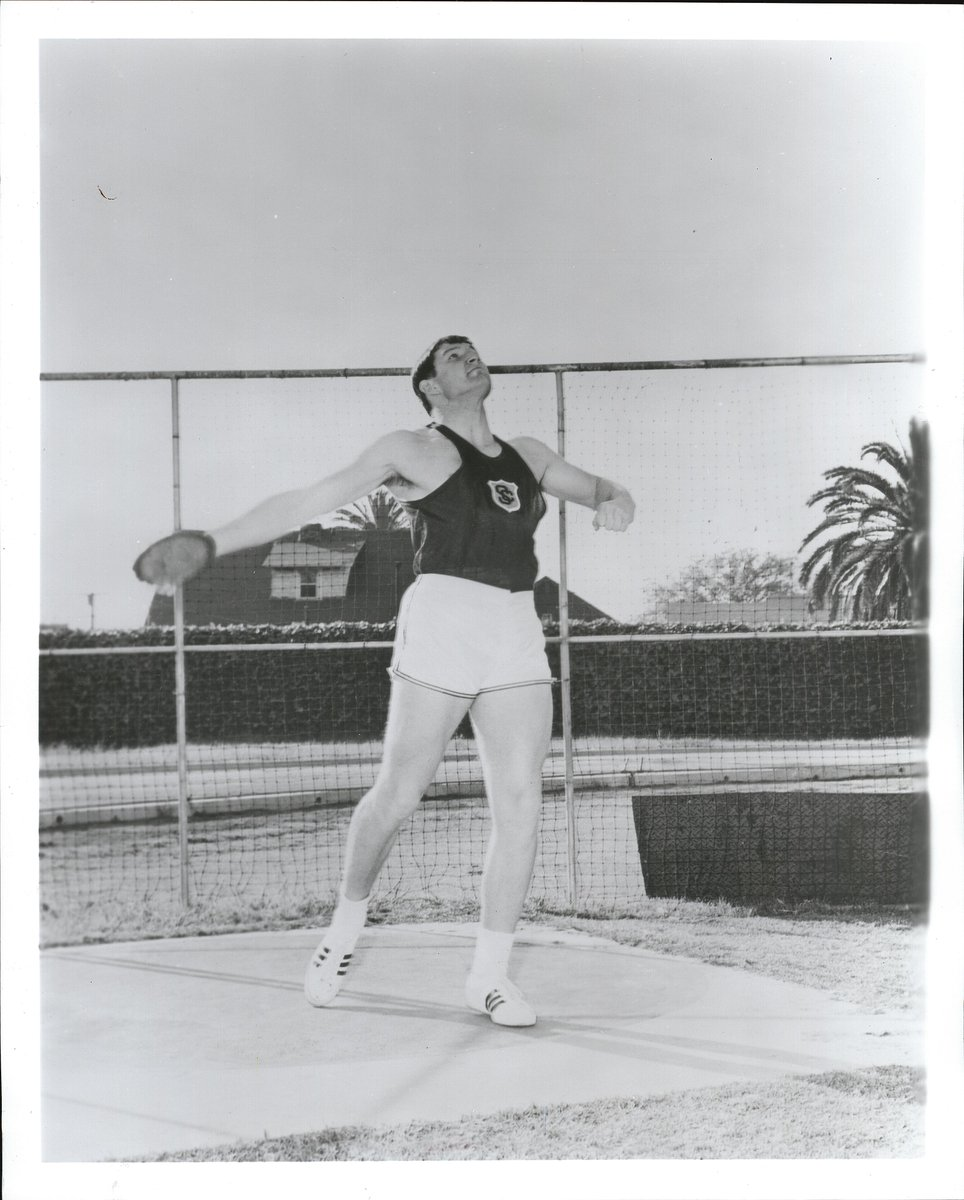 ON THIS DATE IN USC T&F HISTORY...June 4, 1967: Gary Carlsen set the USC discus throw record of 206-0 (62.78m) which still stands today.  The 3-time discus All-American was the NCAA runner-up in 1966 & 67, won the gold medal at the 1967 Pan Am Games and was an Olympian in 1968. https://t.co/6kdw16Jtct