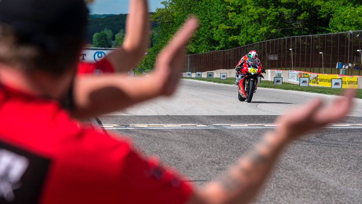 Round one at @roadamerica was a good one for @PJ99Jacobsen, @PaaschBrandon, @LochoffSam, and the entire @CelticRacing @hsbk1 team. Read all about it here: motoamerica.com/celtic-hsbk-ra…