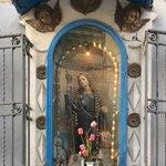 Image for the Tweet beginning: Edicola votiva dedicata a Santa
