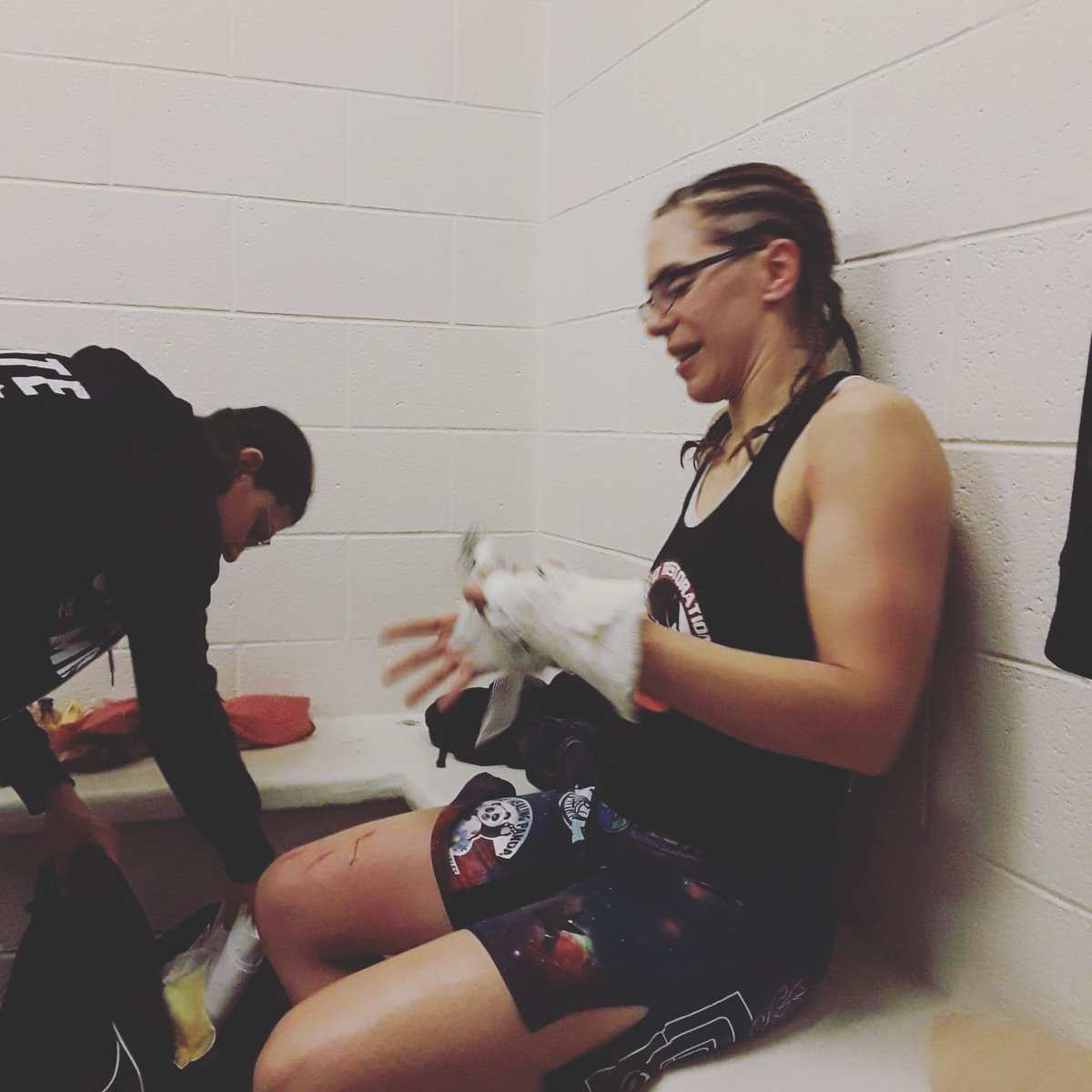 #ThrowbackThursday to a bloody job well done with my people having my back. I can't wait for what comes next   #mma #TheReenAndTheRox #BigReenEnergy #SouthpawOutlaw #invictafc https://t.co/rZDqa0nu9f