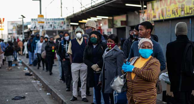 South Africa Records 3,267 COVID-19 Cases In 24 Hours http://dlvr.it/RY1LH4pic.twitter.com/fqTVxgrYTX