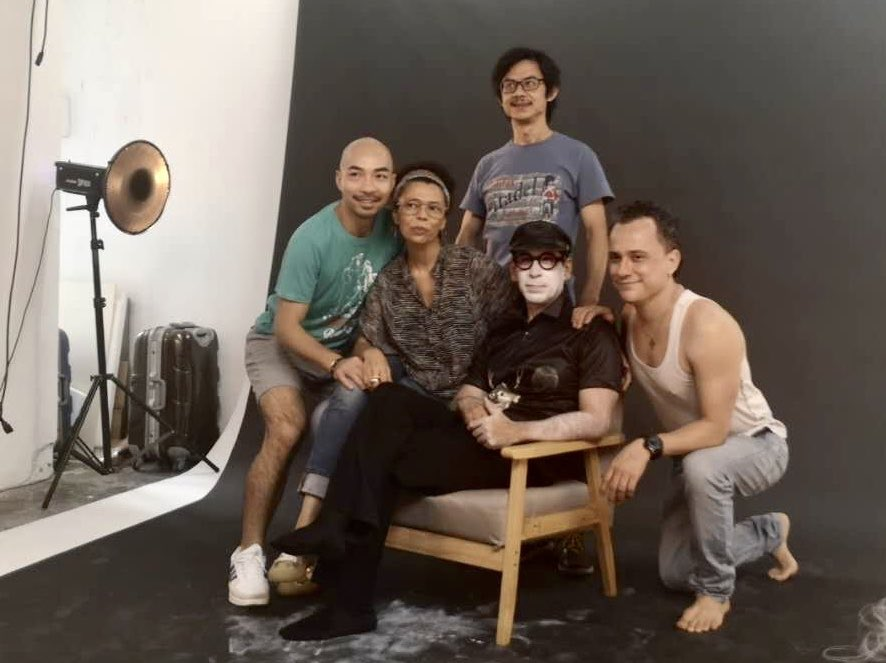 Some shots of our photo session of 'Quarantine: Memories of a forced confinement' yesterday in Guangzhou. We invited two lovely and interesting photographers: Dominique Lila and Xu Shenghua. We'll see the results in some days!🤞#quarantine #butoh #theatre #photography https://t.co/ChSsm1PWW7