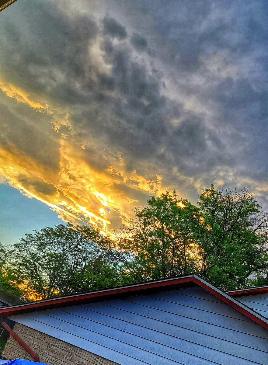 Peace and Love!  Always  💜❤️#sunset #sunsetphotography #COwx @CReppWx @LaurenCBS4 @MattMakens
