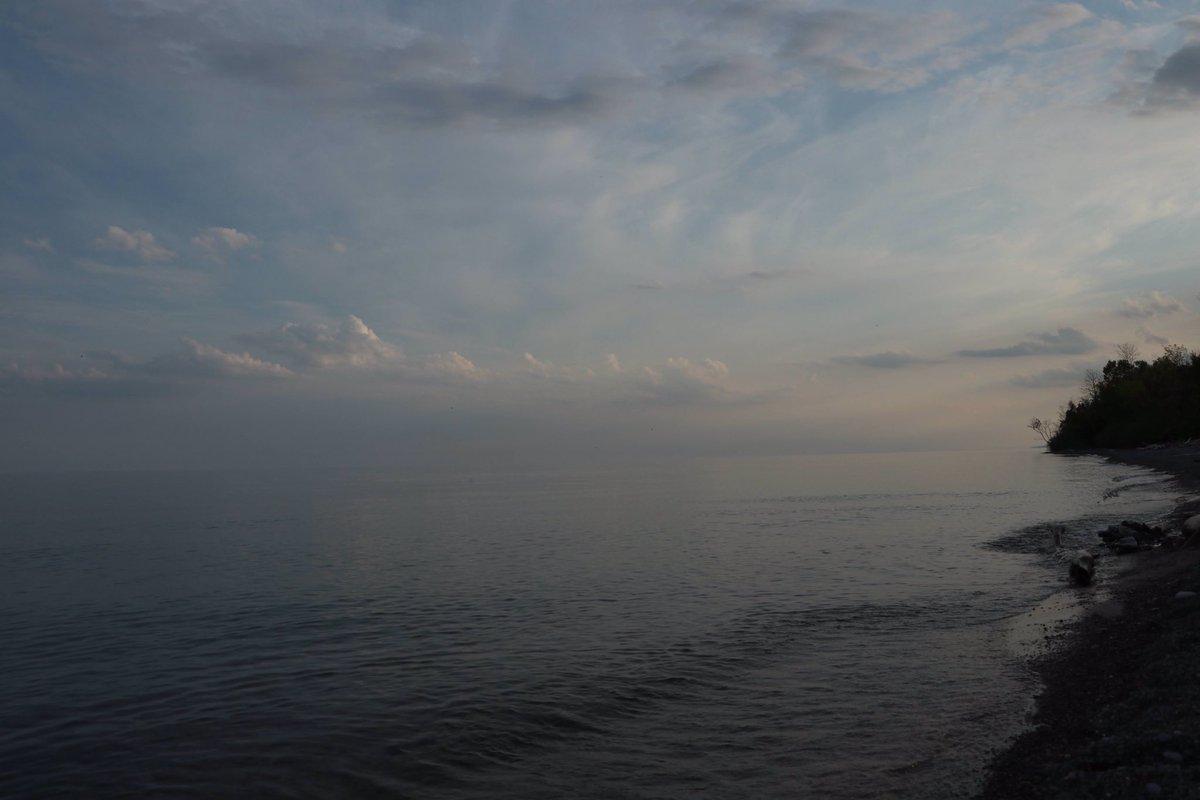 Chasing the sunset.  Port Hope, ON.  #sunset #sunsetroutine @stephfraserpics #LakeOntario @porthopeontario @PortHopeInfo @VisitPortHope