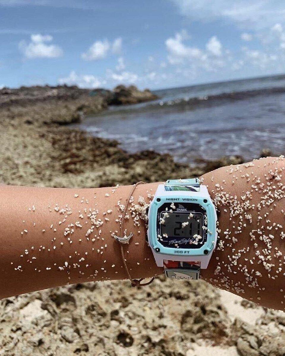 🦈 Sand Sand Everywhere🏖️  📷: @lexiblakely  #teamfreestyle #sharkwatch #freestyleshark #freestylewatches #myfreestylewatch #shark #sharks #adventure #fun #watches #beach #beachlife #beachday #ocean retro #digital #explore #exploring #80s #1981 #sea #sun #surf #waves
