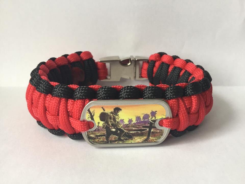 @N8iveTucsonan POPPY PARACORD BRACELET All my paracord bracelets are handmade by myself an ex Soldier who suffers from PTSD, if anyone would like to support me or buy one of my bracelets please contact me directly for details. #PTSD #MentalHealthAwareness #ItsOkNotToBeOk
