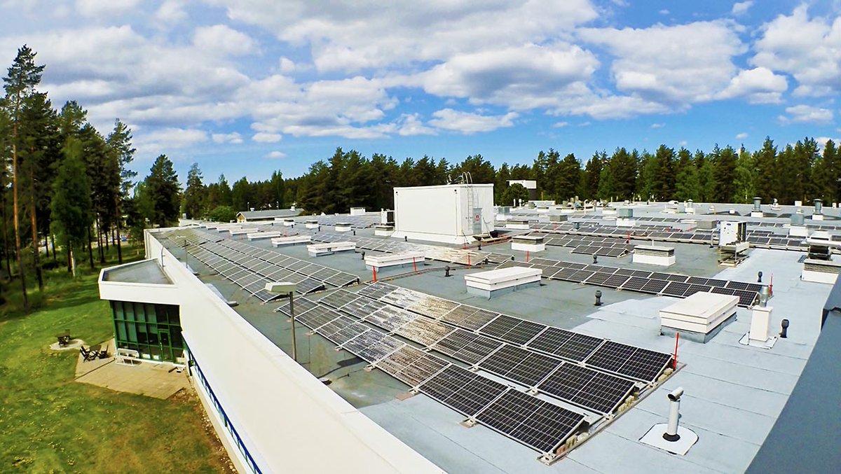 Hyvää maailman ympäristöpäivää! 🌱🍃  Olemme ottaneet Joensuun tehtaalla käyttöön 600 paneelia käsittävän 200 kW aurinkovoimalan.  #AbloyForTrust #kestäväkehitys #WorldEnvironmentDay https://t.co/tsS44koRNf