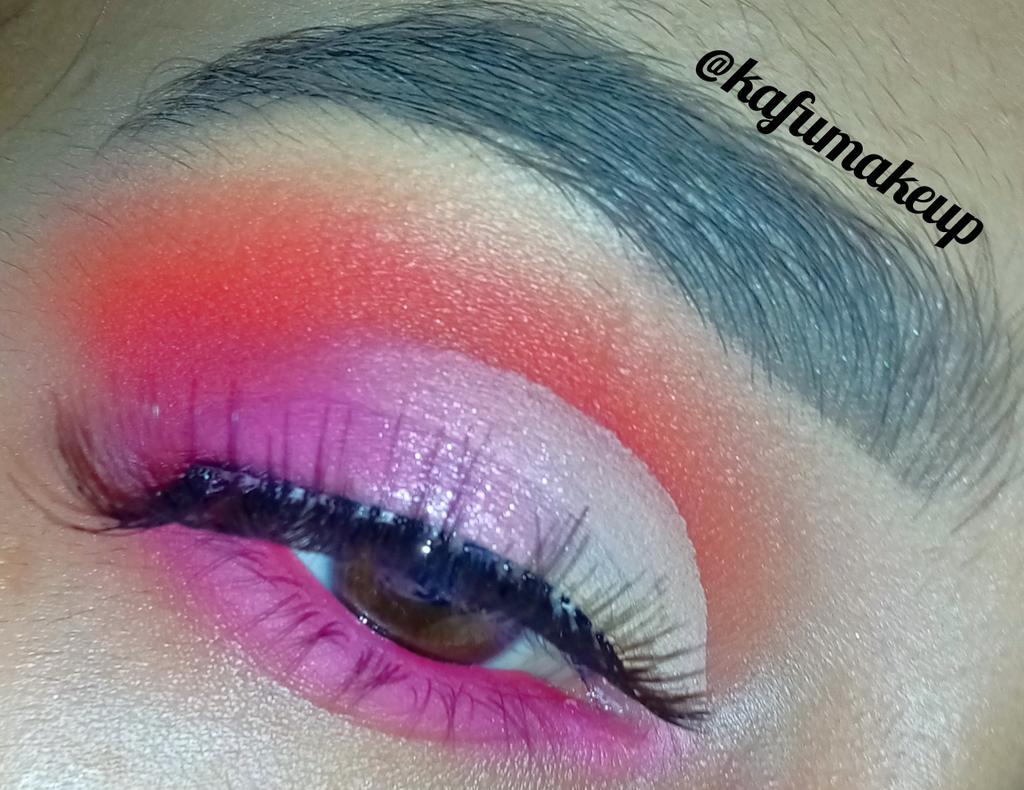 Follow me @kafumakeup #makeup #makeupnews #mua #beauty #motd #explorepage #makeupvideo #quarantine #slave2beauty #stayhome #makeupoftheday #viralmakeup #eyemakeup #makeupideas #makeuptutorials #makeupartist #makeuponpoint #makeupobsessed #glammakeup #undiscoveredmuas #viral #muepic.twitter.com/1MLl7nywBf