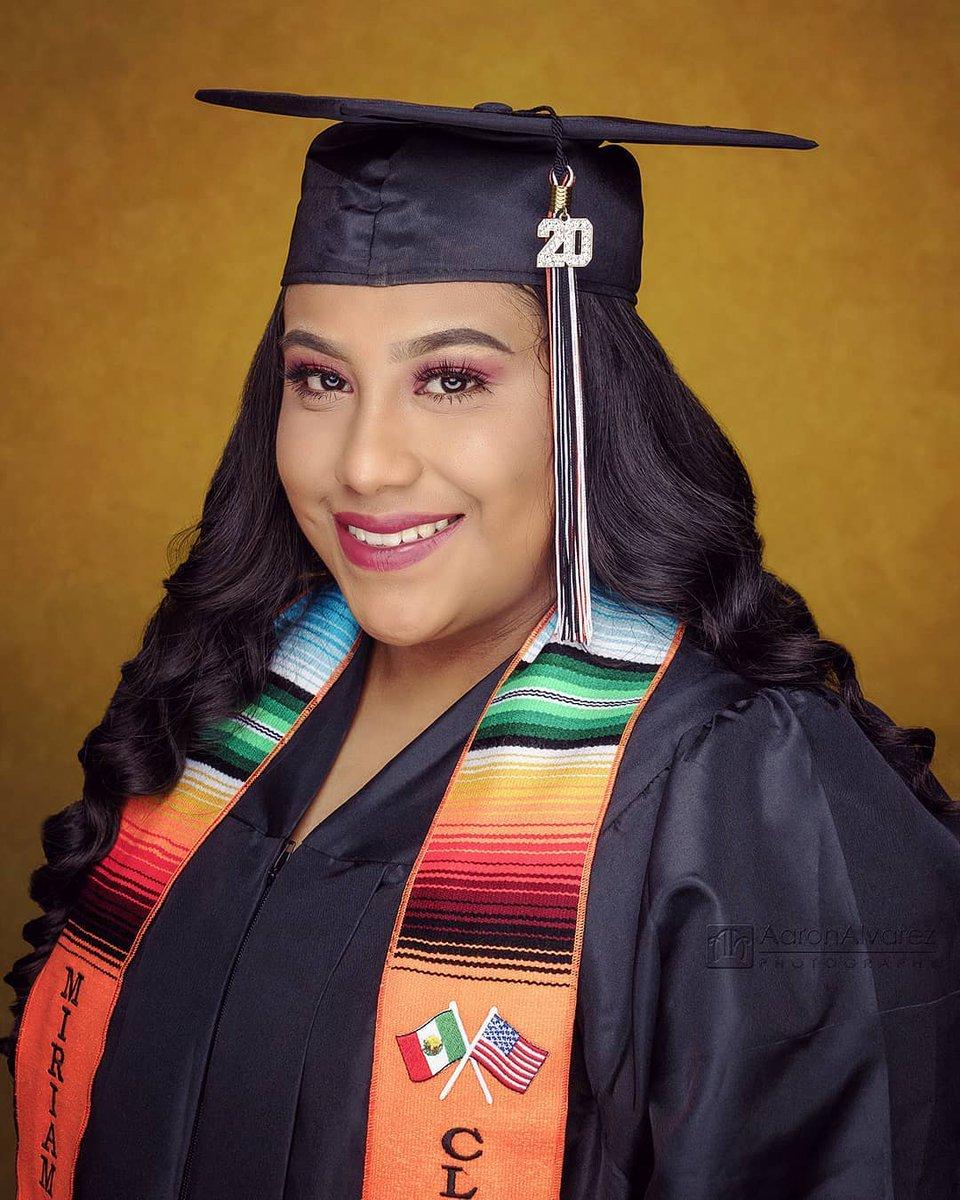 Congratulations Miriam! Future nurse graduating from Los Amigos High School in Fountain Valley and transferring to Golden West College in Huntington Beach .  #portrait #portraitphotographer #headshotphotographer #OCPhotographer #SantaAnaPhotographer #StudioPortrait #SeniorPicturepic.twitter.com/vGYI05lR6z